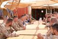 Kaitseminister Luik kohtus Malis teenivate Eesti kaitseväelastega.