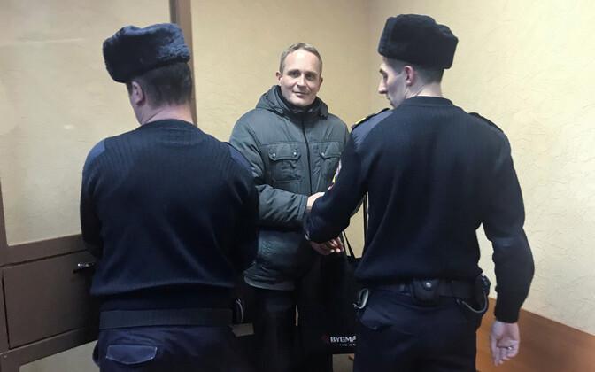 Jehoova tunnistaja Dennis Christensen Orjoli kohtusaalis 14. jaanuaril.