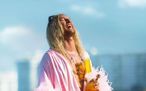 "Matthew McConaughey filmis ""The Beach Bum"""