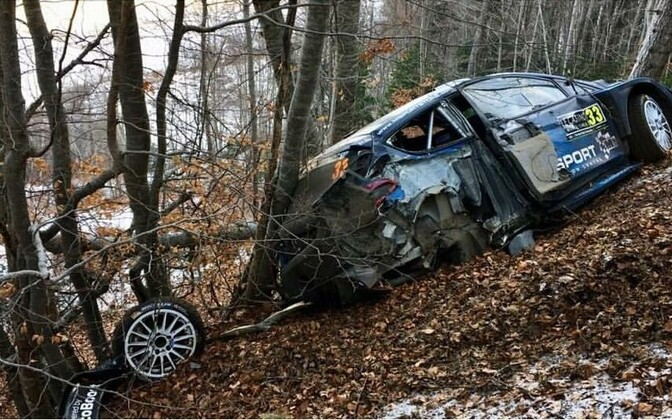 Elfyn Evansi Ford avarii järel