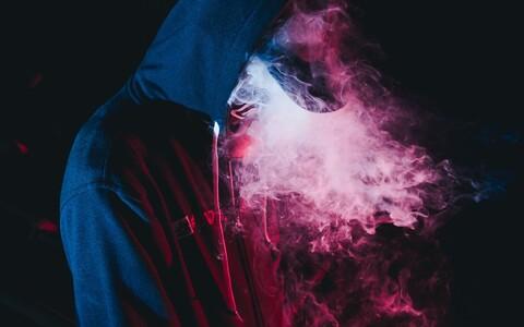 Värske uuringu kohaselt on e-sigarettidest kasu, kuid sellega peaks kaasnema ka nõustamine.
