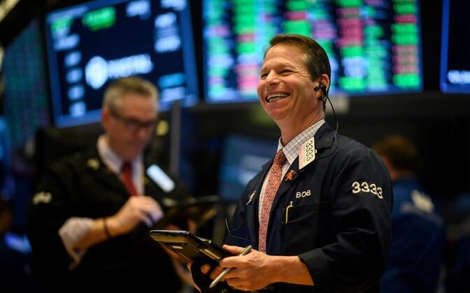 Kauplejad New Yorgi börsil olid seoses heade uudistega rõõmsas tujus.
