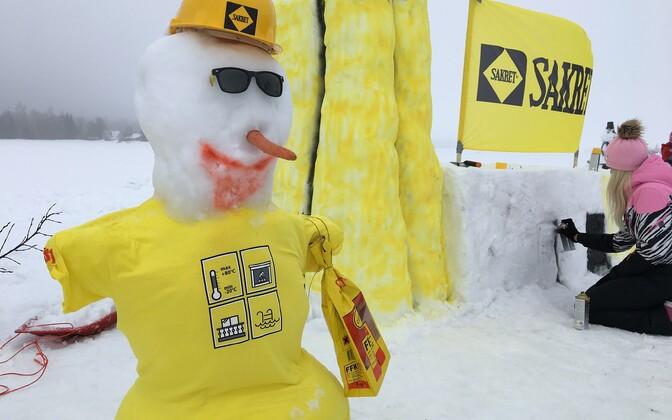 Väätsal püütakse lumememmede ehitamise maailmarekordit.