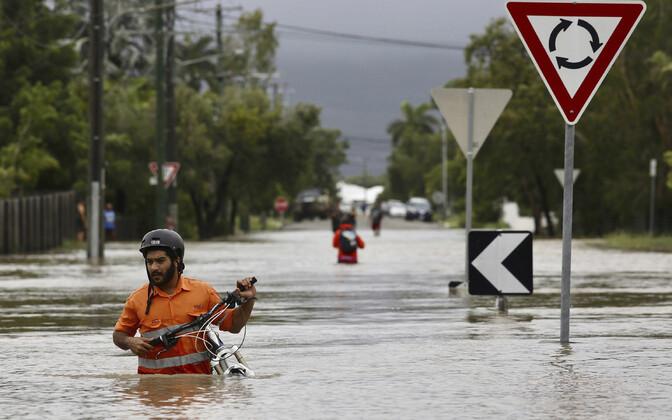 Üleujutatud tänav Austraalias Townasvilles.