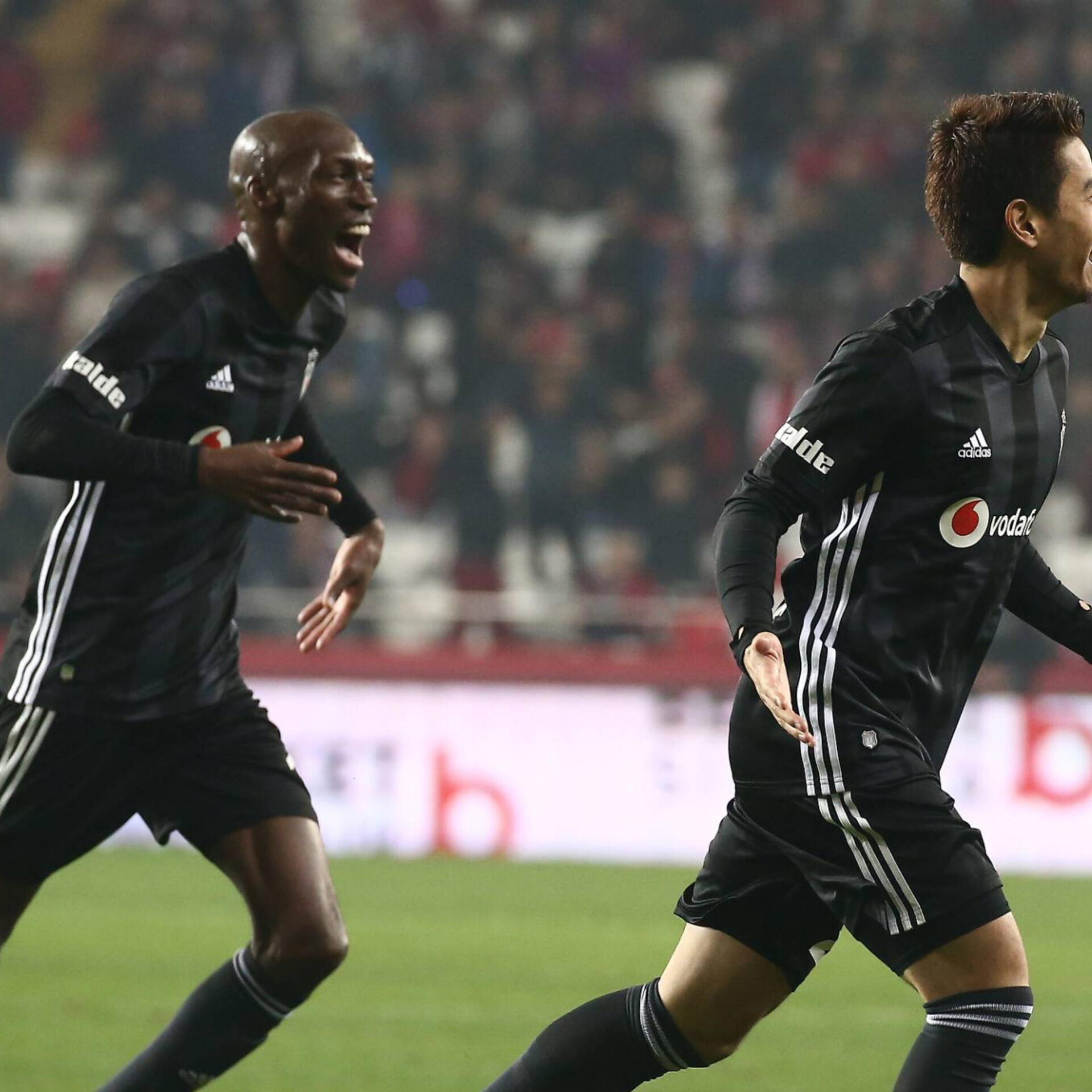 51cca1fc578 Klubi vahetanud Kagawal kulus debüütvärava löömiseks 18 sekundit | Jalgpall  | ERR
