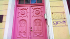 Kurikuulus roosa uks.