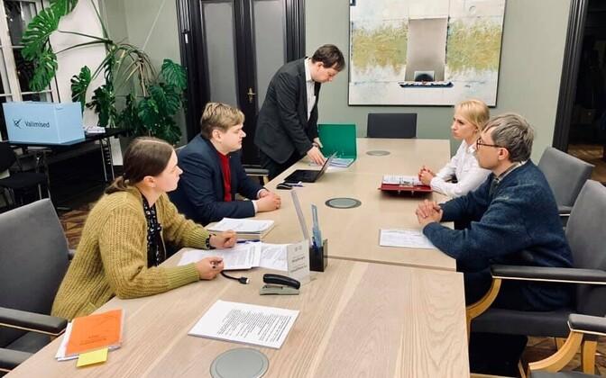 EÜVP liikmed esitavad oma riigikogu kandidaatide nimekirja valimisteenistusele