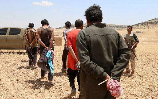 SDF-i kätte vangi langenud võitlejad.