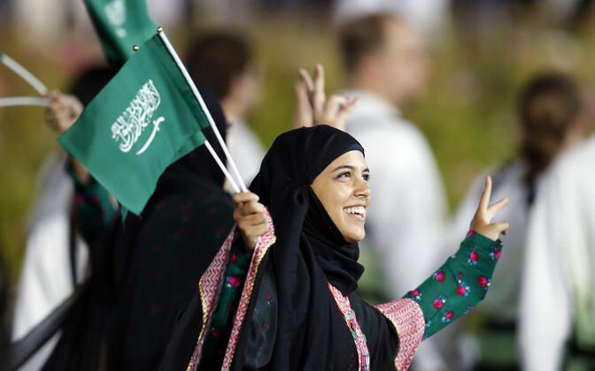 Saudi Araabia naissportlased 2012. aasta olümpiamängude avatseremoonial.