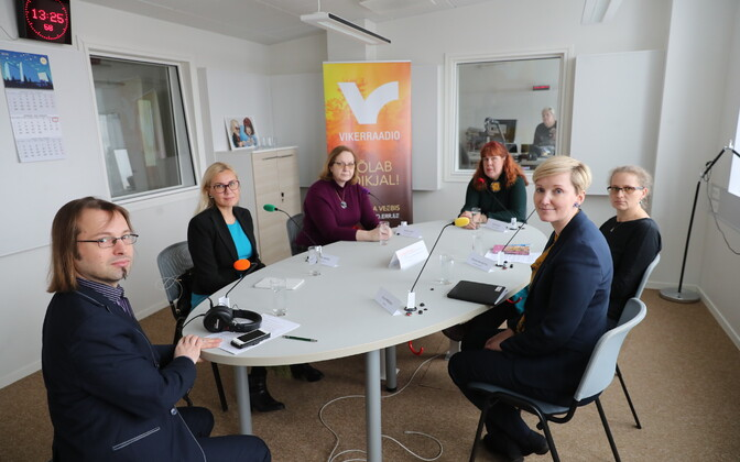 Pre-election debate radio show on ERR's Vikerraadio on Tuesday. Richness of Life candidate Helen Orav-Kottav is at furthest right of photo, host Arp Müller in the foreground.