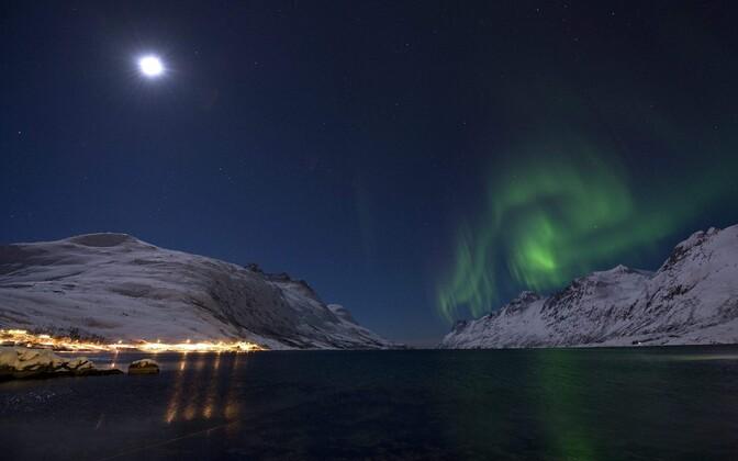 Смещение северного магнитного полюса ускорилось до 55 км в год.