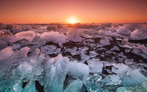 Põhjapoolus liigub Siberi suunas.