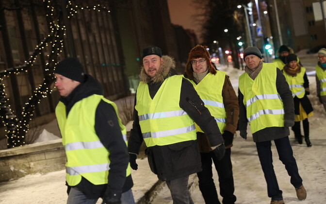 Richness of Life members, including Artur Talvik (second from left) picketing ERR's TV house for the first time on 6 February.