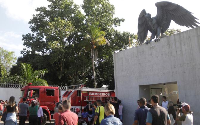 Tuletõrjemasin Flamengo treeningväljaku lähistel