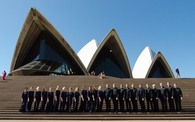 Eesti Filharmoonia kammerkoor Sydney ooperimaja ees