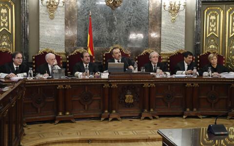 Бывшие каталонские лидеры предстали перед Верховным судом Испании.