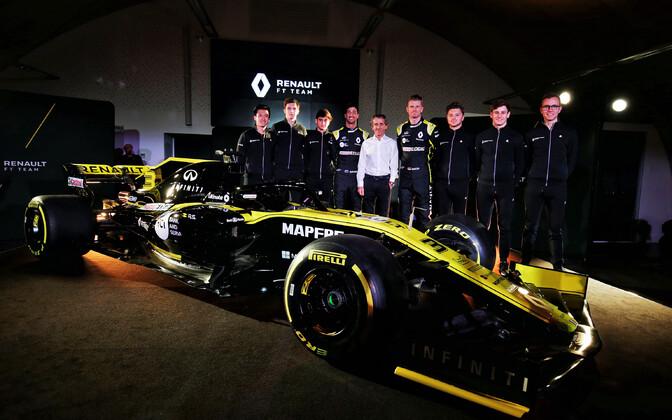 Renault vormelimeeskond uue hooaja masina esitlusel