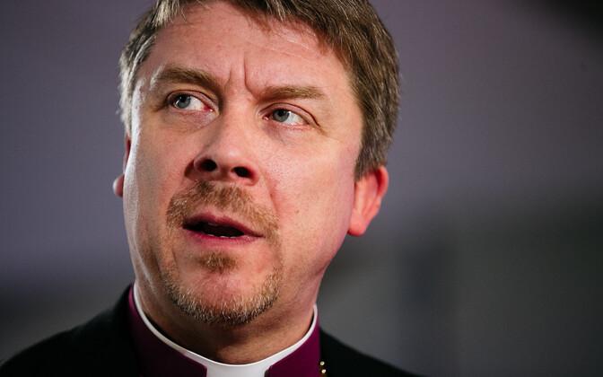 По мнению Урмаса Вийлма, нападки в адрес представителей другой веры и культуры в Эстонии вышли за пределы интернет-пространства и их следует осуждать.