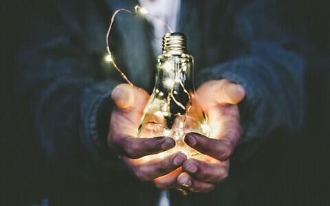 Väiksematel töörühmadel kalduvad tekkima maailmamuutvamad ideed.