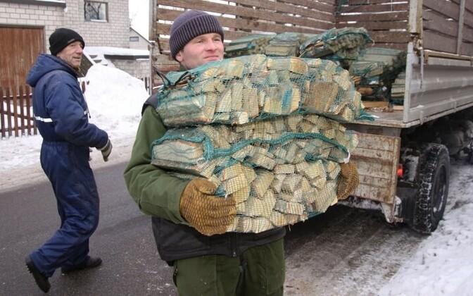 Низкие зарплаты - актуальная проблема и для Эстонии.