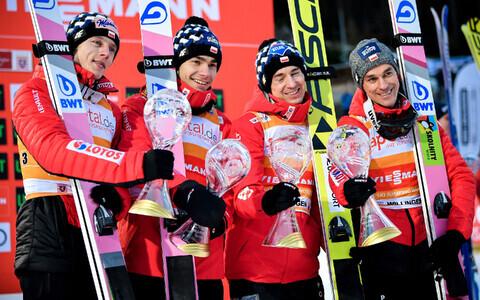 Poola suusahüppajad teenisid hooaja teise MK-etapivõidu