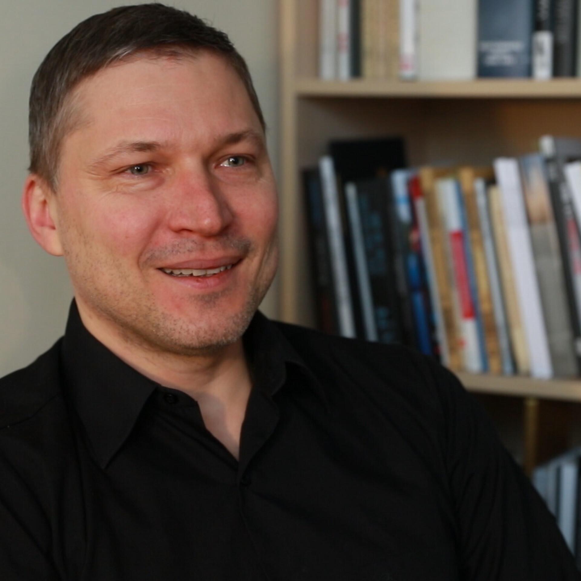 5b3c7904b6c Kirjanduspreemia võitja Martin Algus: tahaksin veel romaanivormis kirjutada  | Kirjanduspreemia nominendid | ERR