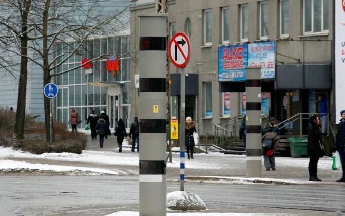 Камеры возле торгового центра Kristiine будут при помощи вспышки фиксировать автомобили, пересекающие стоп-линию на запрещающий сигнал светофора.