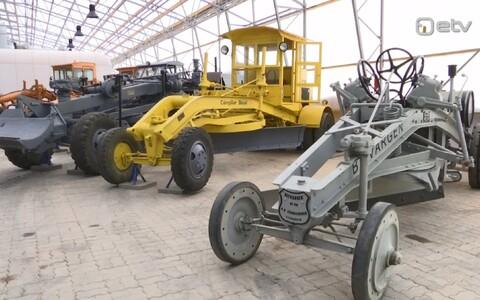 Tehnika maanteemuuseumi näitusehallis.