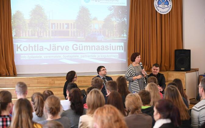 Haridusminister Mailis Reps Kohtla-Järve Järve gümnaasiumi rahvaga kohtumas