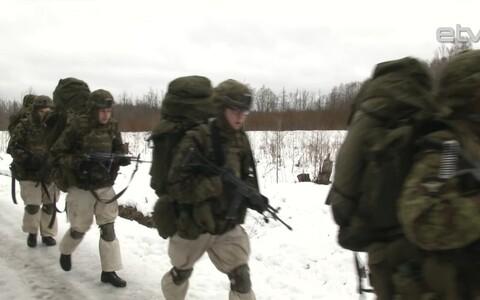 Новобранцы Вируского пехотного батальона совершили марш-бросок в 25 км