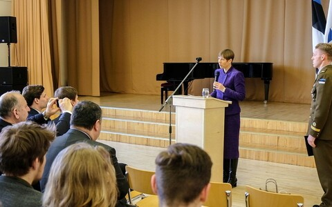 President Kersti Kaljulaid  speaking at Tabasalu upper secondary school.