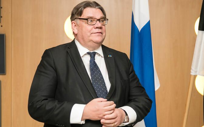 Timo Soini Tallinnas enne vabariigi aastapäeva.