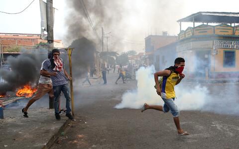 Столкновение местных жителей с правоохранительными органами Венесуэлы.