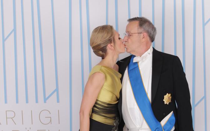 3ef9c921206 Galerii: presidendi vastuvõtu külalised fotoseina ees ja tantsuplatsil (0)