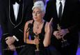 Lady Gaga võttis parima loo Oscari vastu emotsionaalse kõnega