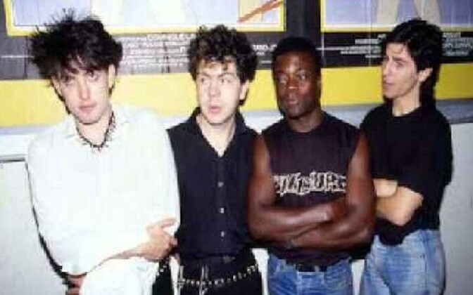 The Cure,  Andy Anderson on paremalt teine.