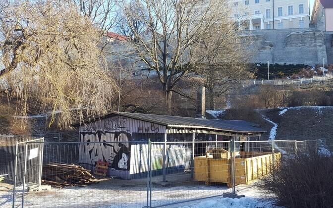На месте сарая планируют построить павильон-кафе.