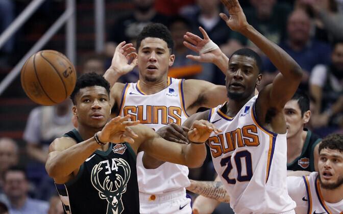 Giannis Antetokounmpo (Bucks), Josh Jackson (Suns), Devin Booker (Suns)