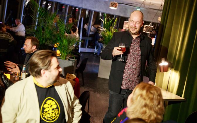 Artur Talvik ja Mihkel Kangur plaanivad kandideerida europarlamenti.