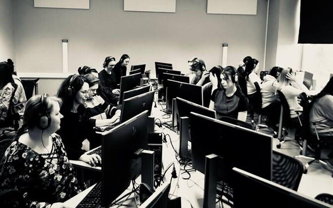 Haapsalu Kutsehariduskeskuse õpilased 2018. aastal etteütlust tegemas