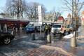 На улице Виру торговля кипит.