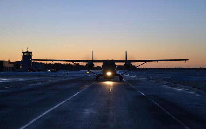 Транспортник М-28 приземлился в Эстонии.