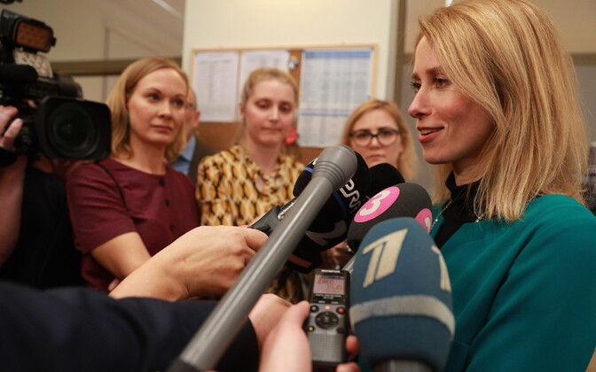 Reform chairwoman Kaja Kallas addressing the press following Centre's rejection of the winning party's invitation to launch coalition talks. 8 March 2019.