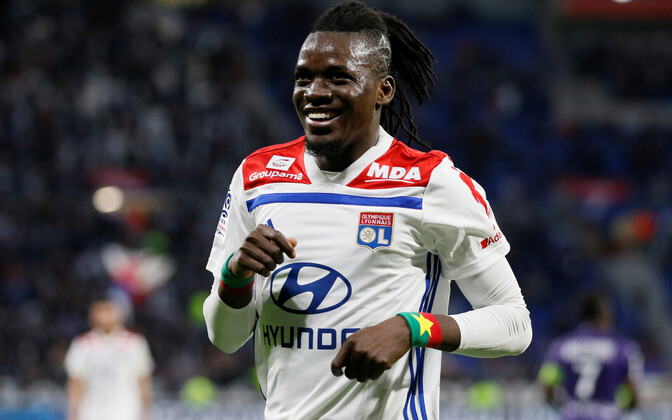 Keeld on arvatavasti ajendatud Burkina Faso koondislase Bertrand Traore soetamisest 2013. aastal, mil 18-aastane mängija sõlmis küll klubiga profilepingu, ent teda ei registreeritud kuni järgneva aasta jaanuarini.