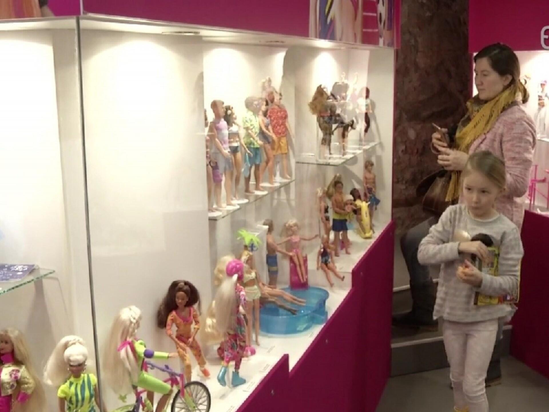 4072ec10f50 Tartu mänguasjamuuseumis avati Barbie näitus   Elu   ERR