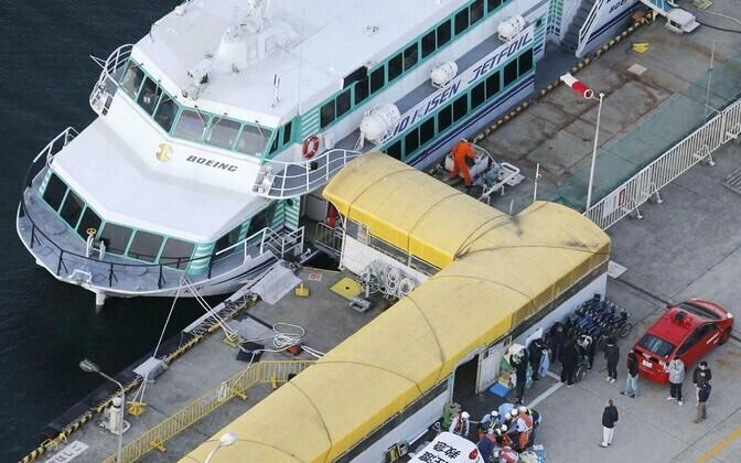 Vaalaga kokku põrganud reisilaev Jaapani Sado sadamas.