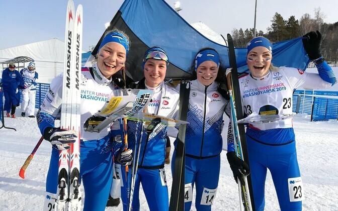 Eesti suusaorienteerujad universiaadil. Vasakult Doris Kudre, Jonne Rooma, Epp Paalberg, Silvia Luup.