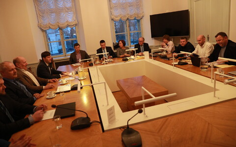 Keskerakond, EKRE ja Isamaa kogunesid teisipäeval välis- ja julgeolekuteemasid arutama.