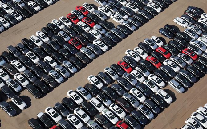Heitmepettuse tõttu tagasivõetud Volkswageni ja Audi sõiduatod USA-s California osariigi kõrbes hoiuplatsil
