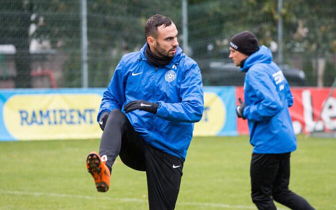 Сергей Зенев на тренировке сборной Эстонии.